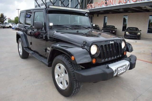 Photo 2010 Jeep Wrangler Unlimited Sahara 4X4