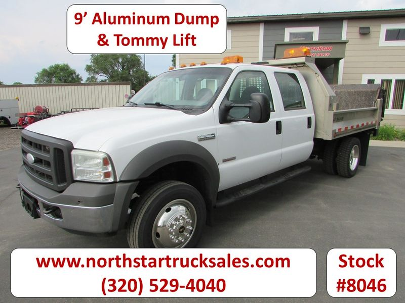 Photo Used 2005 Ford F-550 Dump Truck