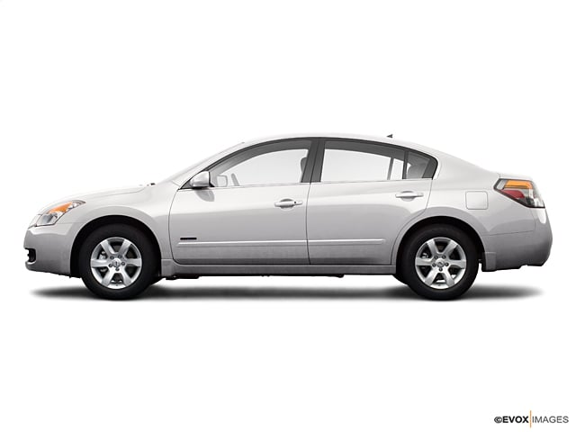 Photo Used 2009 Nissan Altima For Sale  Peoria AZ  Call 602-910-4763 on Stock 91526A