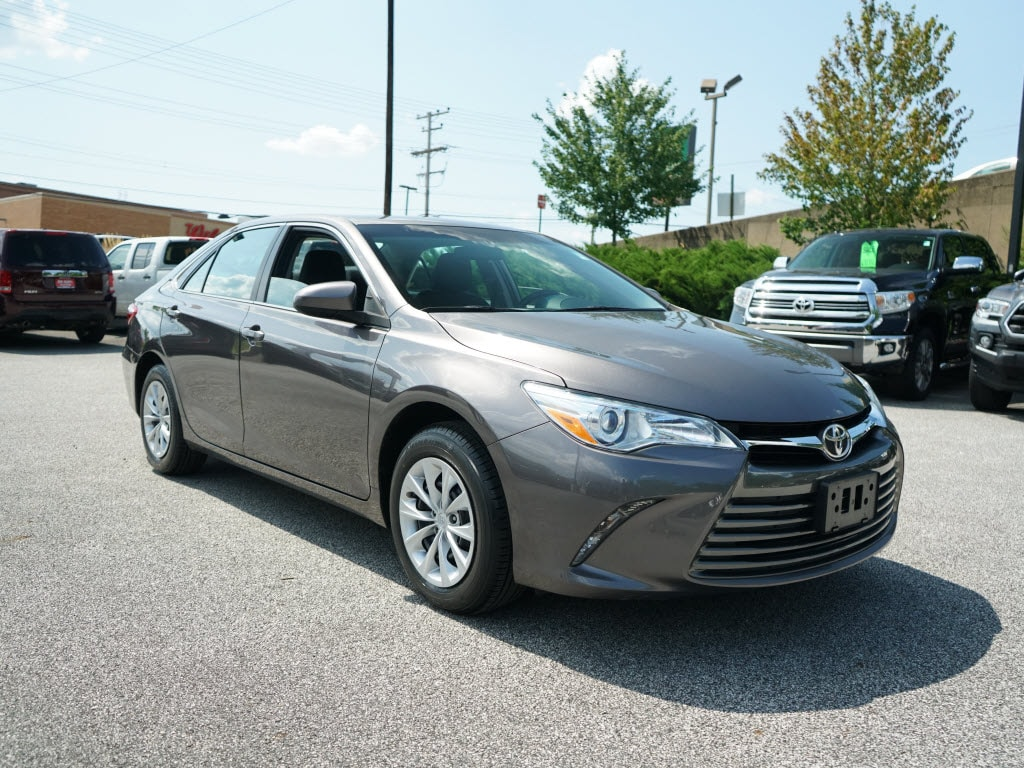 Photo Used 2016 Toyota Camry LE Sedan Front-wheel Drive in Cockeysville, MD