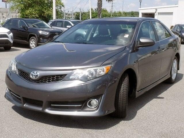 Photo 2014 Toyota Camry SE Sedan in Columbus, GA