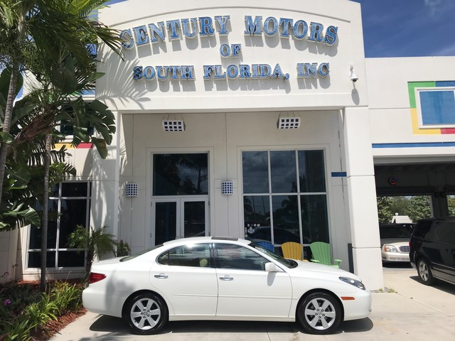 Photo 2005 Lexus ES 330 Leather Sunroof CD Changer Alloy Wheels 1 Owner CarFax