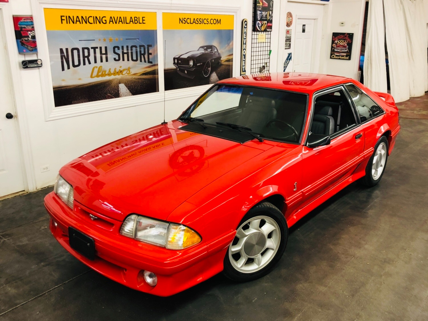 Photo 1993 Ford Mustang -SVT COBRA 30k MILES-CLEAN AUTOCHECK-4 OWNER-HATCHBACK-SEE VIDEO