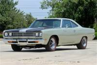 1969 Plymouth Roadrunner Restored 440 six pack pistol grip 4spd