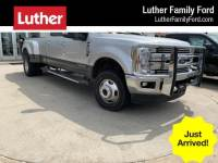 2017 Ford F-350 Lariat 4WD Crew Cab 8 Box Truck Crew Cab V-8 cyl