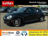 2013 Volkswagen Beetle 2.5L w/Sunroof Hatchback