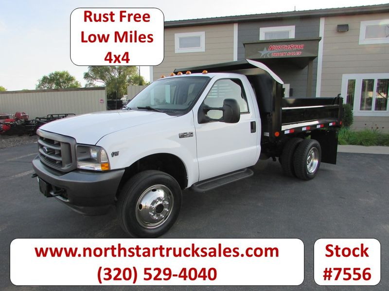 Photo Used 2002 Ford F-450 4x4 Contractor Dump Truck
