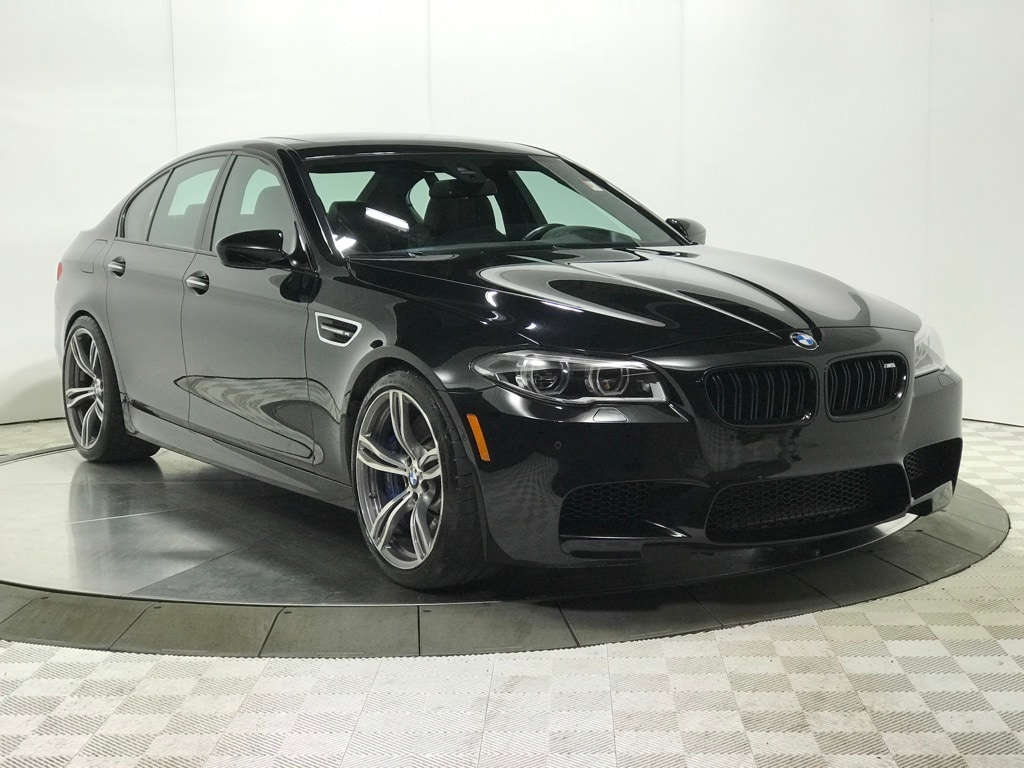 Photo Certified 2016 BMW M5 Base COMPETITION Sedan for Sale in Schaumburg, IL