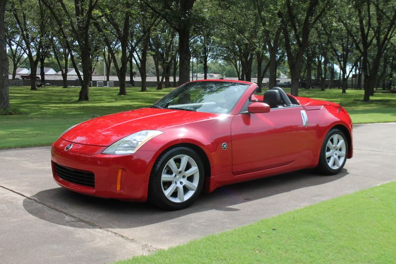 Photo Used 2004 Nissan 350Z Convertible Touring