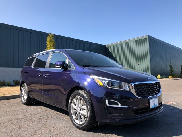 Photo Used 2019 Kia Sedona EX in Salem, OR