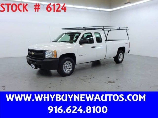 Photo 2010 Chevrolet Silverado 1500  4x4  Extended Cab  Only 40K Miles