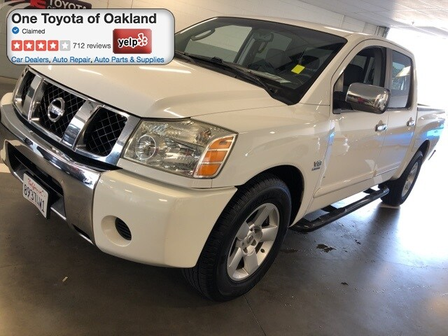 Photo Pre-Owned 2004 Nissan Titan SE Truck Crew Cab in Oakland, CA