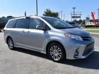 2018 Toyota Sienna XLE 8 Passenger Van Passenger Van Front-wheel Drive