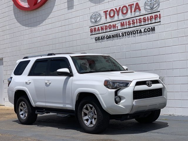 Photo 2015 Toyota 4Runner Trail Sport Utility 6