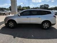 2017 Chevrolet Traverse FWD 4dr LT w/2LT Sport Utility for Sale in Mt. Pleasant, Texas