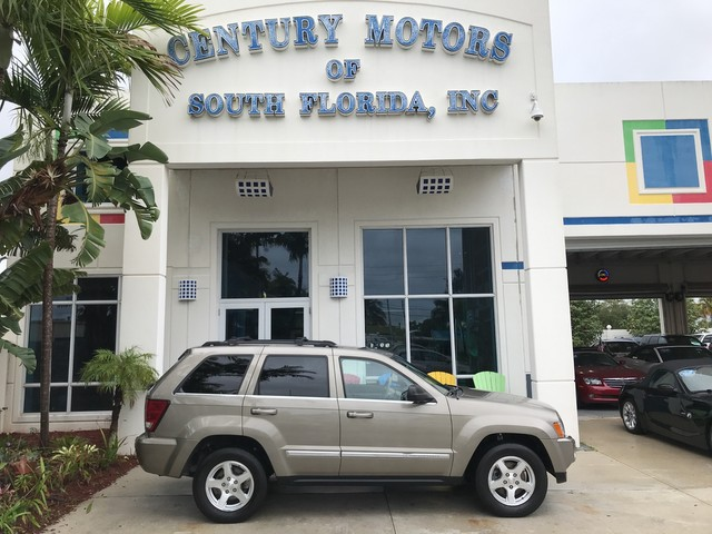 Photo 2005 Jeep Grand Cherokee Limited 4x4 Heated Leather Sunroof UConnect 1 Owner