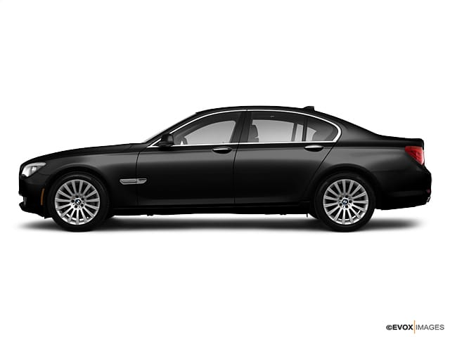 Photo Pre-Owned 2011 BMW 7 Series 4dr Sdn 750i xDrive AWD Car in Boston, MA
