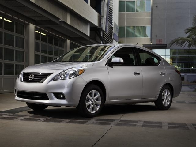 Photo 2013 Nissan Versa 1.6 S