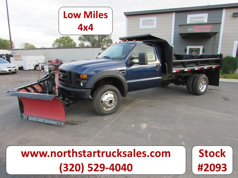 Photo Used 2008 Ford F-450 4x4 Dump Plow Truck