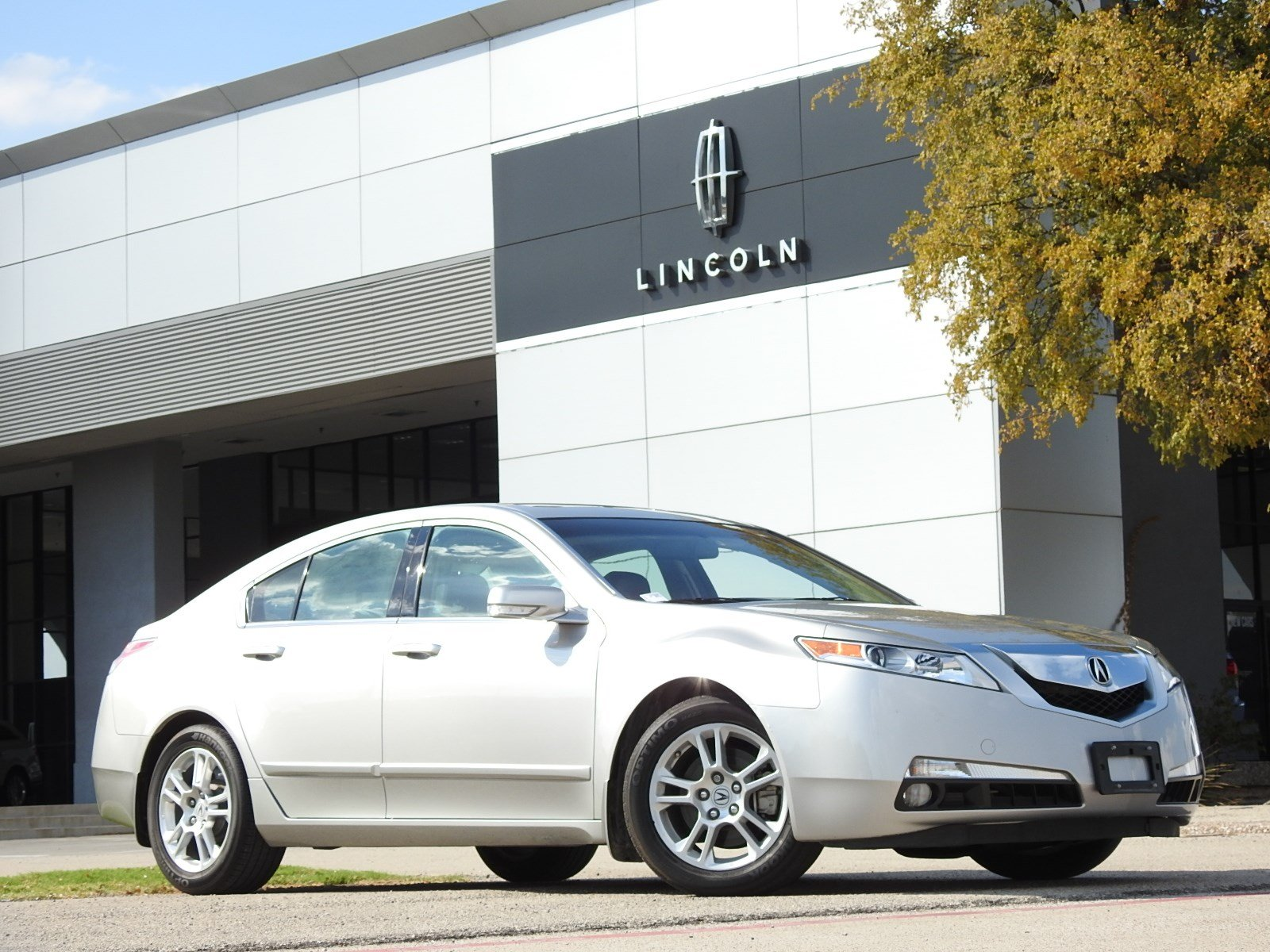 Photo Pre-Owned 2009 Acura TL Tech wTechnology Package Sedan 6 in PlanoDallasFort Worth TX