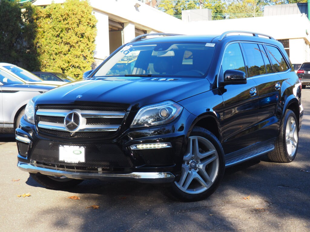 Photo Used 2016 Mercedes-Benz GL-Class GL 550 4matic SUV For Sale in Huntington, NY
