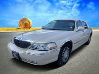 Pre-Owned 2003 Lincoln Town Car Signature Premium Sedan