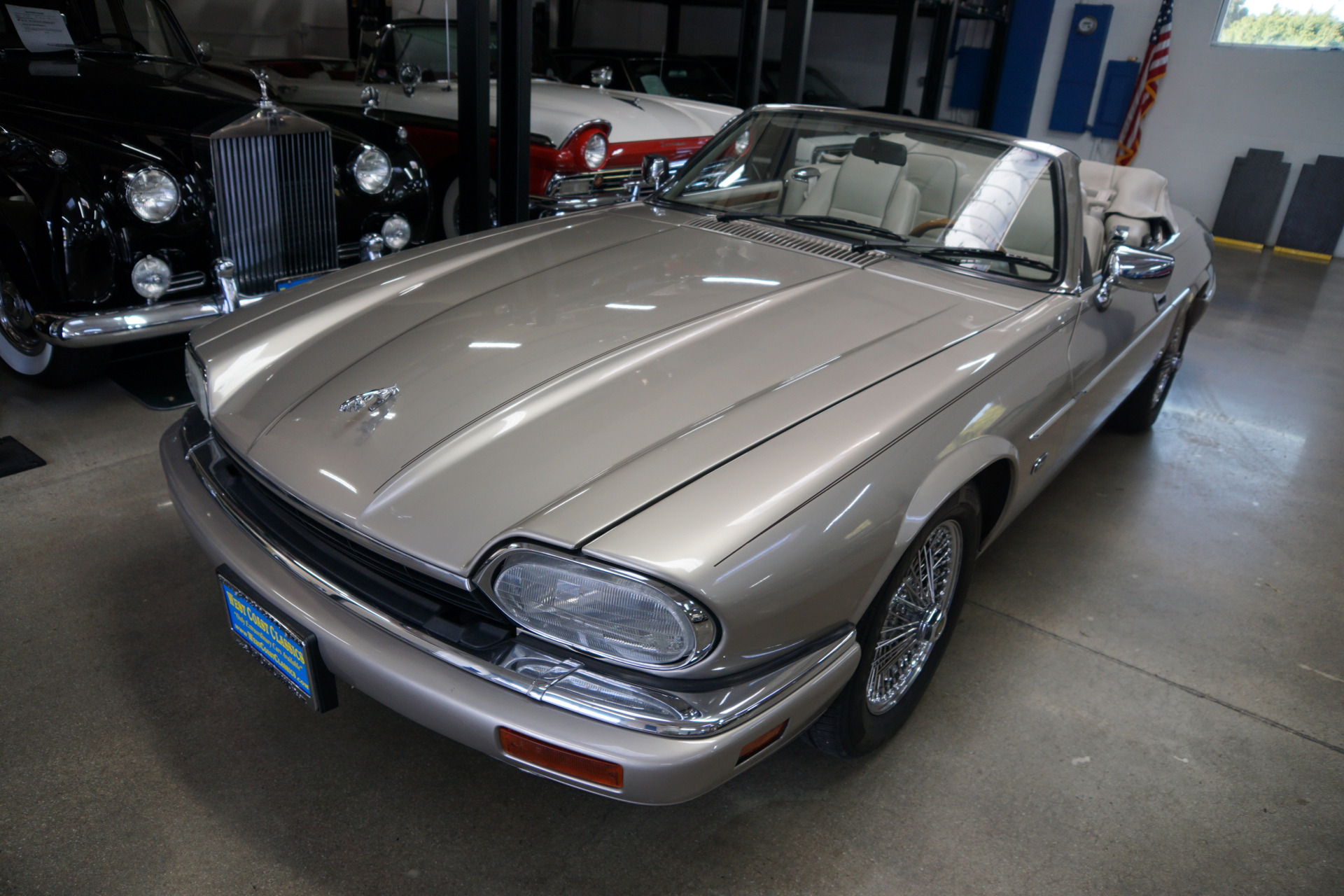 Photo 1996 Jaguar XJS CELEBRATION EDITION 4.0L CONVERTIBLE WITH 27K ORIG MILES XJS Celebration Edition