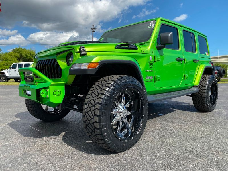 Photo Used 2019 Jeep Wrangler Unlimited BAD FROG SAHARA LIFTED LEATHER HARDTOP
