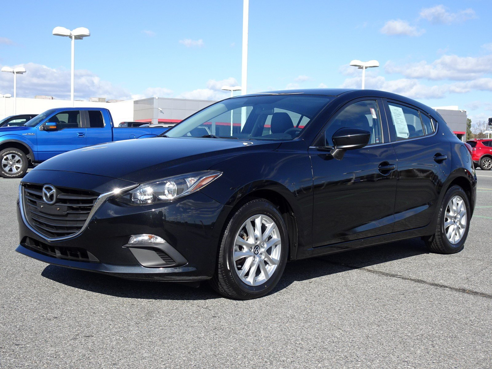 Photo 2014 Mazda Mazda3 i Grand Touring HB Auto i Grand Touring Front-wheel Drive