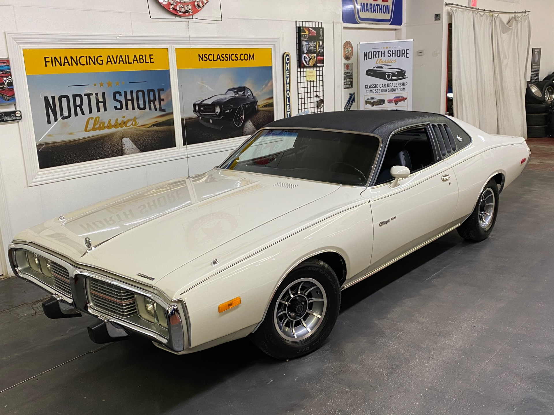 Photo 1973 Dodge Charger - SE BROUGHAM - FACTORY AC - 400 ENGINE -