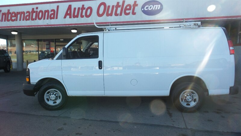Photo 2015 Chevrolet Express 3500 for sale in Cincinnati OH