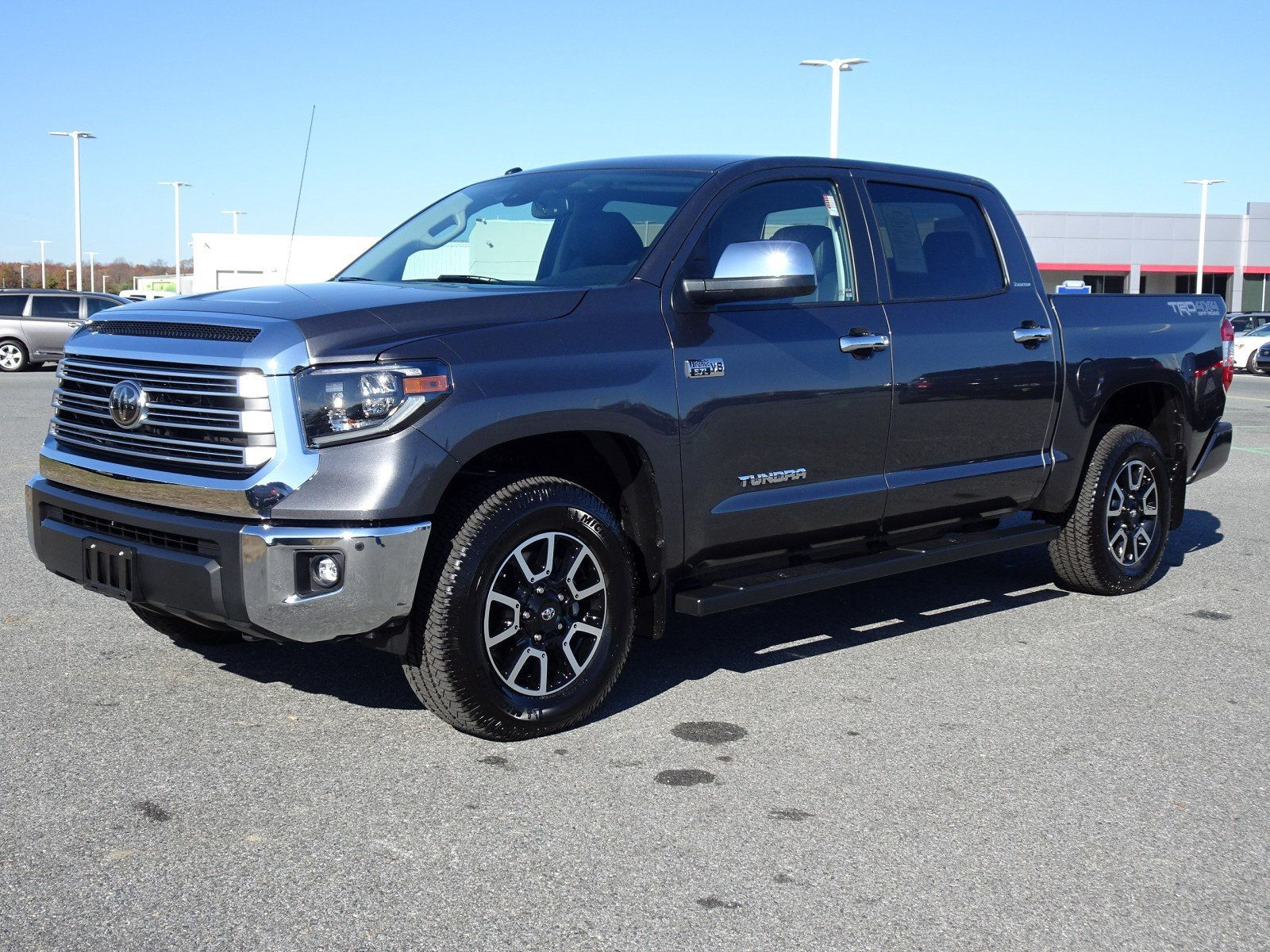 Photo 2019 Toyota Tundra Limited 5.7L V8 Truck CrewMax