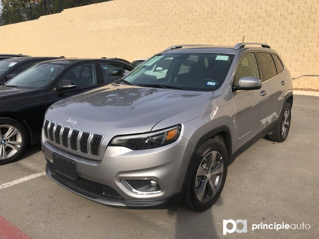 Photo 2019 Jeep Cherokee Limited SUV in San Antonio