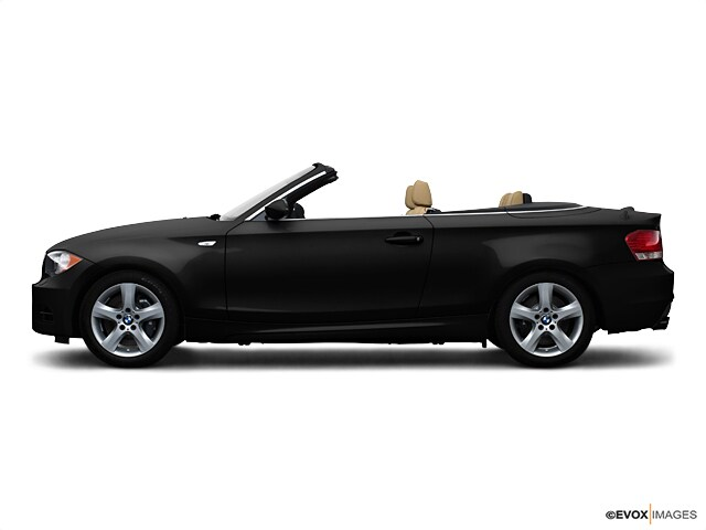 Photo Pre-Owned 2009 BMW 135 Convertible in Boston, MA