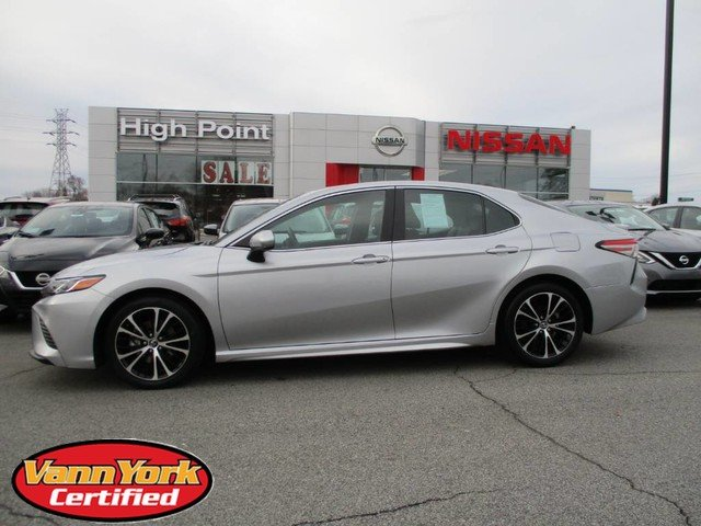 Photo Used 2018 Toyota Camry SE AutoFor Sale in High-Point, NC near Greensboro and Winston Salem, NC
