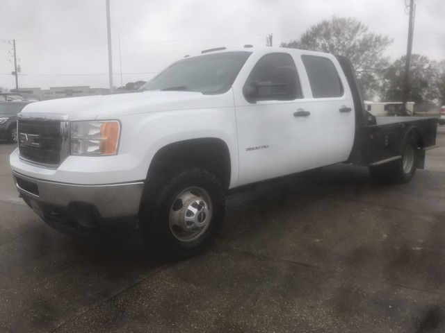 Photo 2012 GMC Sierra 3500HD Crew Cab 4WD Flat Bed