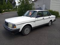 1986 Volvo 240 DL 4dr Sedan