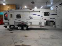 2008 Palomino Puma 253FBS Fifth Wheel - 26 Ft - 1 Slide