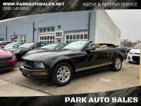 2006 Ford Mustang V6 Deluxe 2dr Convertible