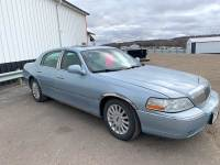 2005 Lincoln Town Car Signature 4dr Sedan
