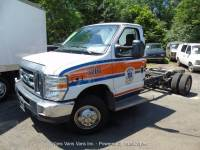 2014 Ford E-Series Chassis E-450 SD 2dr Commercial/Cutaway/Chassis 158-176 in. WB