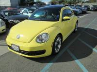 2013 Volkswagen Beetle 2.5L PZEV 2dr Coupe 5M w/ Sunroof, Sound and Navigation