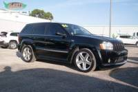 2006 Jeep Grand Cherokee SRT8 4dr SUV 4WD w/ Front Side Airbags