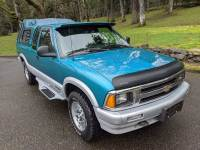 1995 Chevrolet S-10 2dr LS 4WD Extended Cab SB