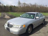 2002 Lincoln Town Car Signature 4dr Sedan