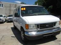2006 Ford E-Series Wagon E-150 XLT 3dr Passenger Van