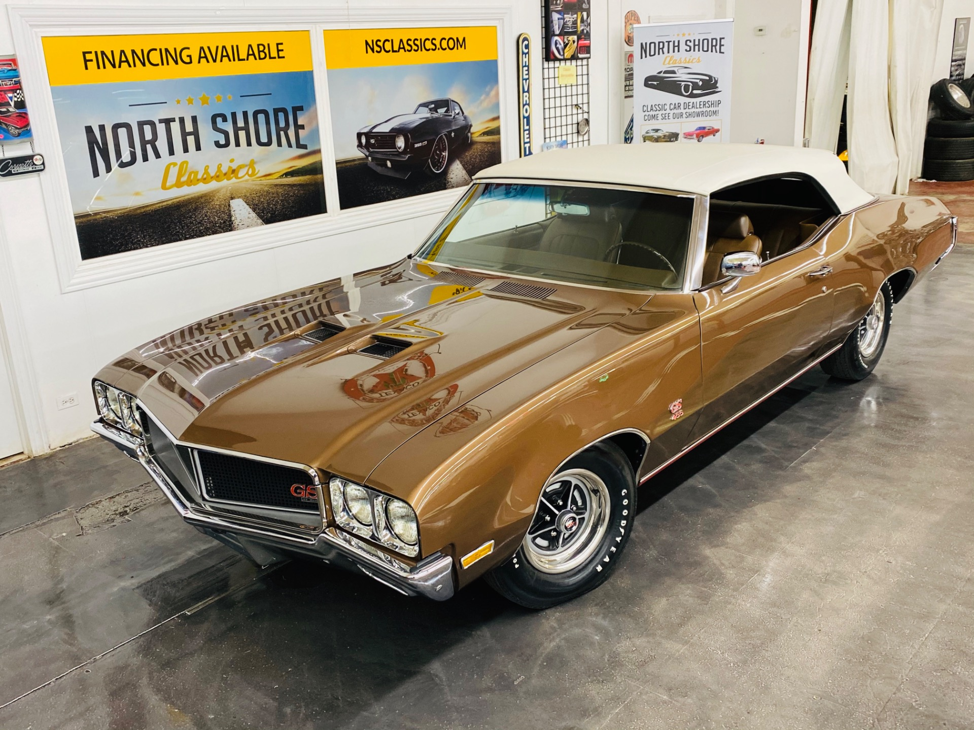 Photo 1970 Buick GS - CONVERTIBLE - 455 ENGINE - NUMBERS MATCHING -