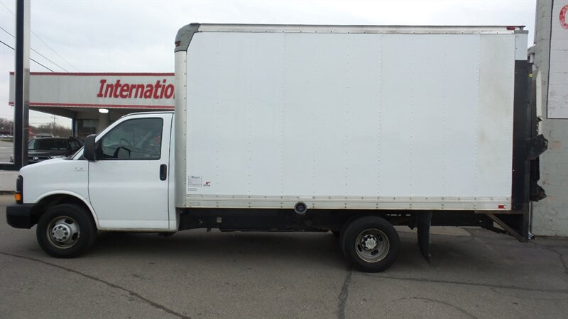 Photo 2014 Chevrolet Express Cutaway 3500 for sale in Cincinnati OH