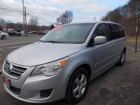 2010 Volkswagen Routan SE 4dr Mini-Van w/ RSE and Nav