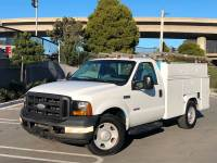 2006 Ford F-350 Super Duty 4X2 2dr Regular Cab 140.8 in. WB